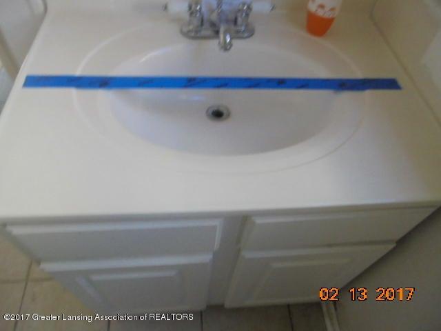 333 Bartlett St - Bathroom sink - 17
