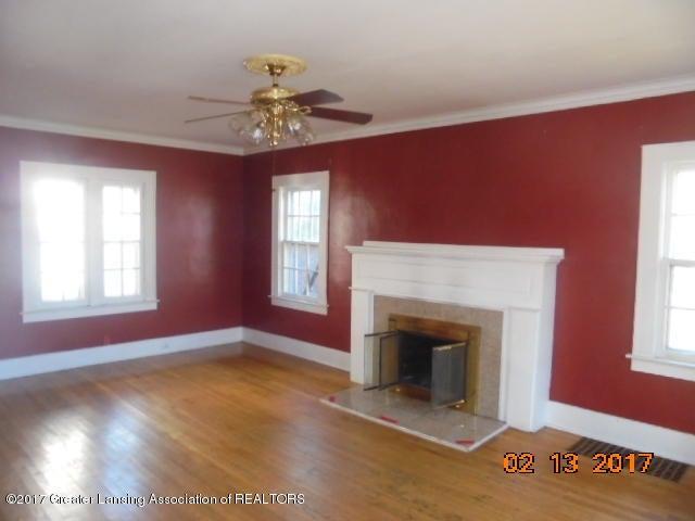 333 Bartlett St - Living room - 22