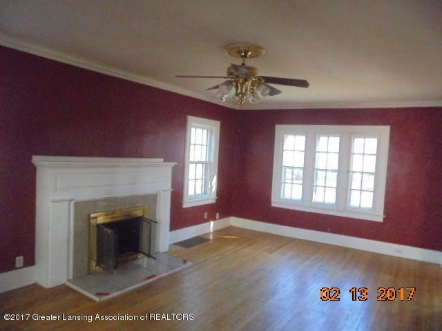 333 Bartlett St - Living room - 23