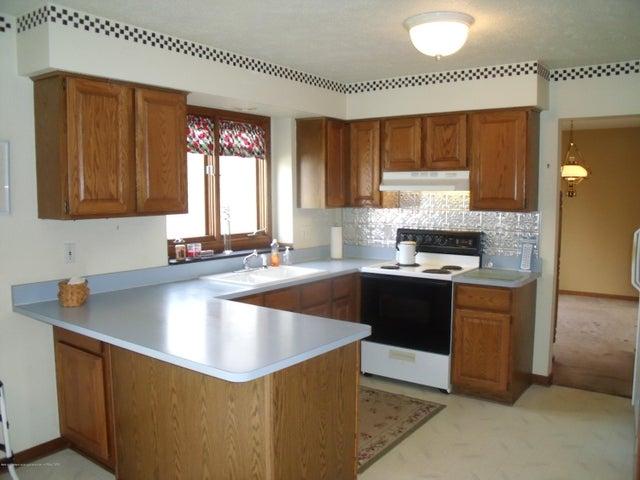 5467 Huschke Rd E - Kitchen (3) - 3