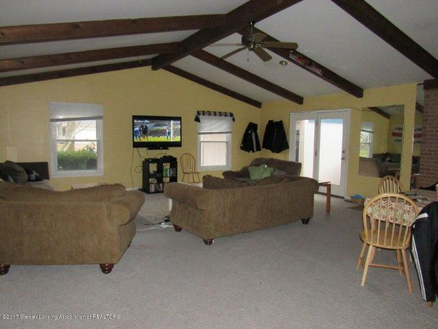 1818 N Fairview Ave - GREAT ROOM - 4