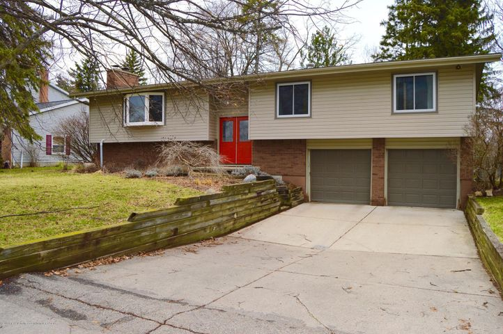 1952 Bloomfield Dr - EXTERIOR FRONT - 1