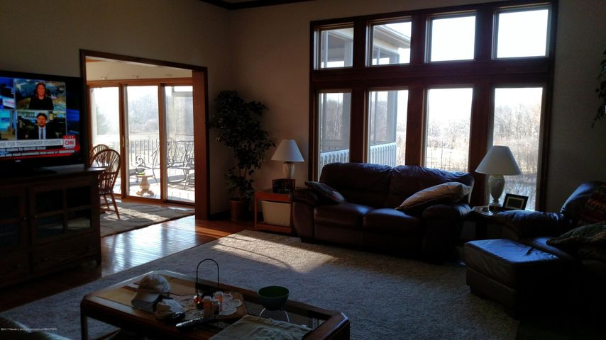 9714 Rossman Hwy - Living Room - 2