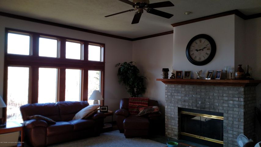 9714 Rossman Hwy - Great Room - 3