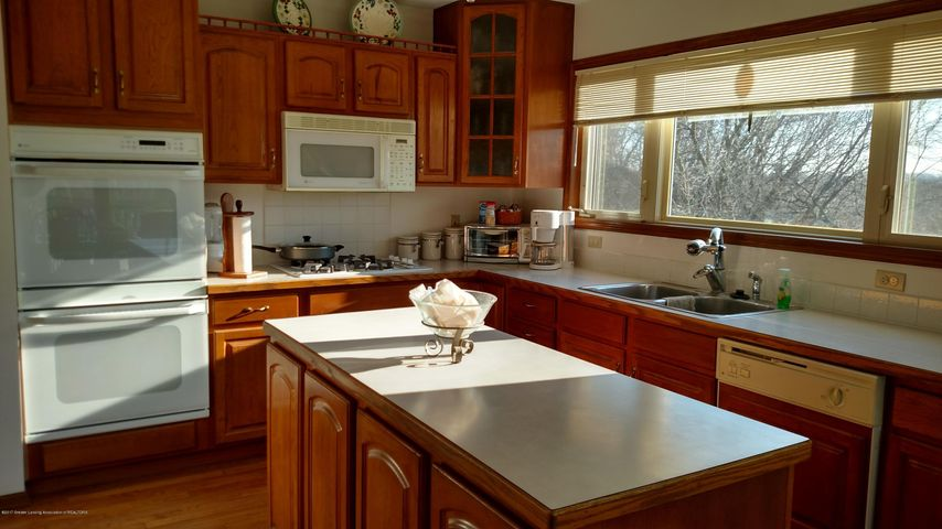 9714 Rossman Hwy - Kitchen - 6