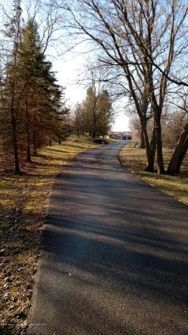 9714 Rossman Hwy - Driveway - 11