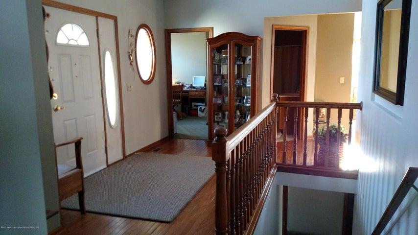 9714 Rossman Hwy - Foyer - 20