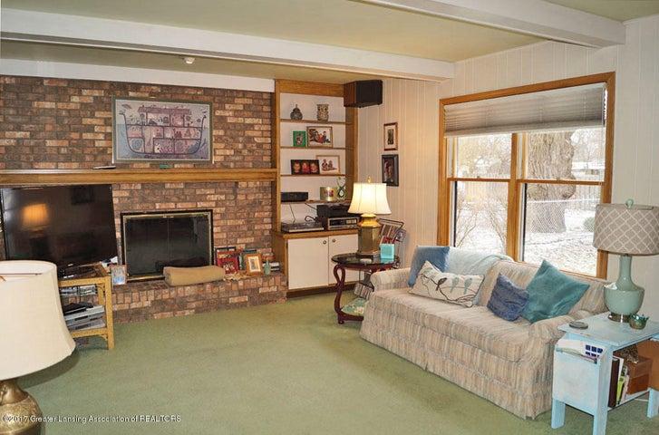 1145 Shelter Ln - Family Room - 5