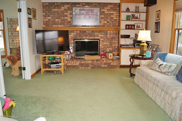 1145 Shelter Ln - Family Room - 6