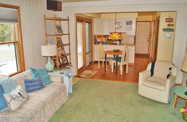 1145 Shelter Ln - Family Room - 8