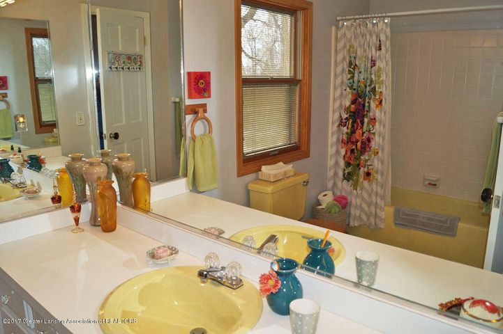 1145 Shelter Ln - Bathroom - 23