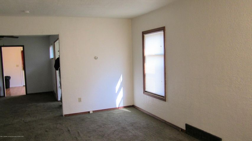 1233 Parkview St - Living room - 3