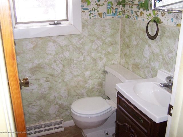 603 Devon Dr - Half Bath - 21