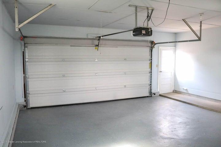7071 W Cutler Rd - Garage Interior - 18