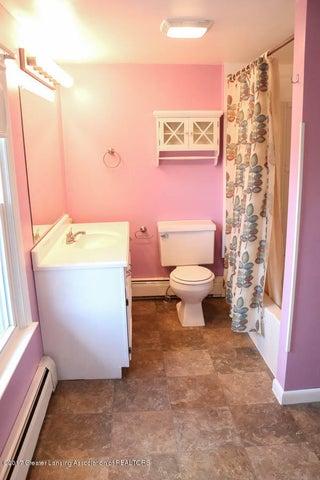 7071 W Cutler Rd - Full Bath - 42