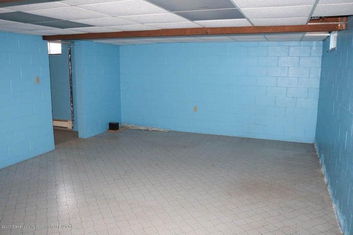 7071 W Cutler Rd - Basement Rec Room - 44