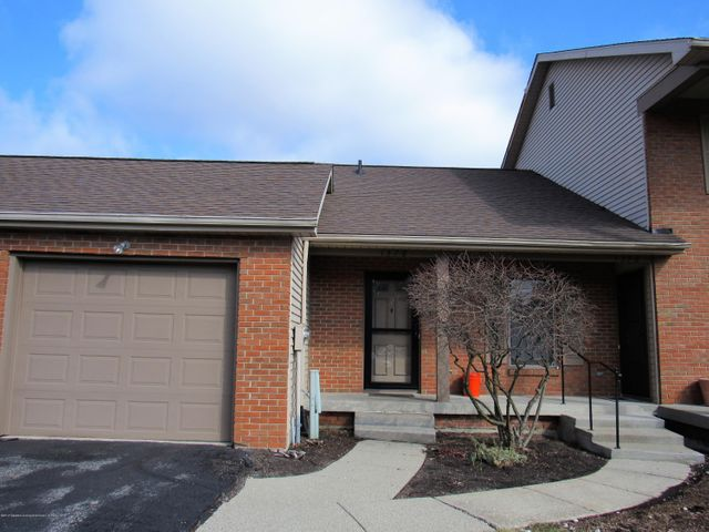 1378 Chartwell Carriage Way N - FRONT - 1