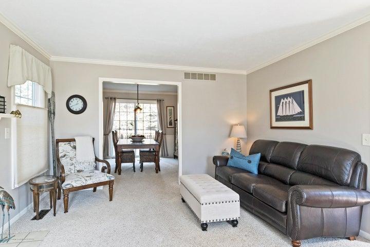 3920 Mayapple Ln - Living Room - 6