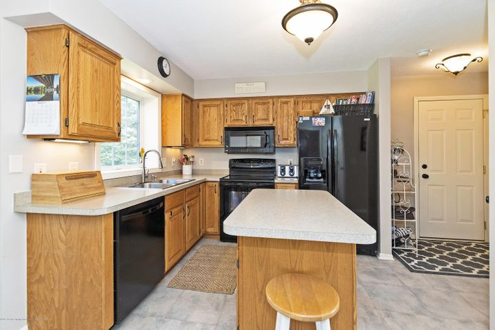 3920 Mayapple Ln - Kitchen - 11