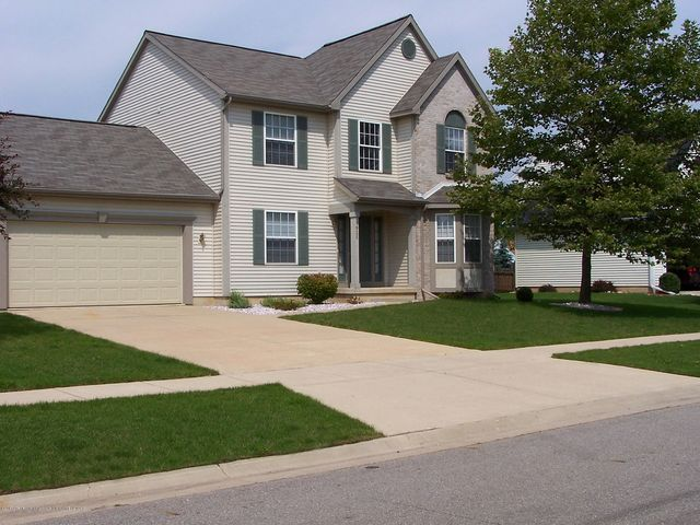 1925 Hollowbrook Dr - Outside front view - 1