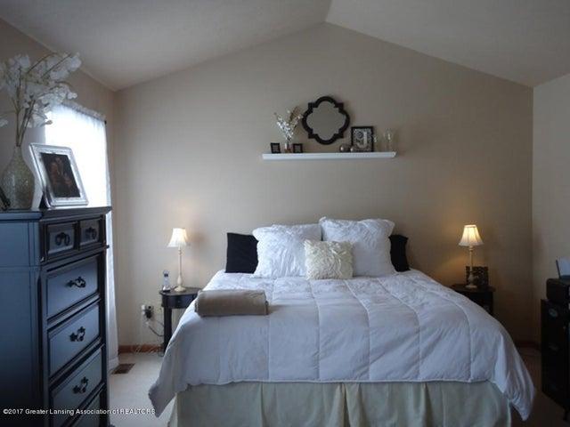 1925 Hollowbrook Dr - Master Bedroom - 9