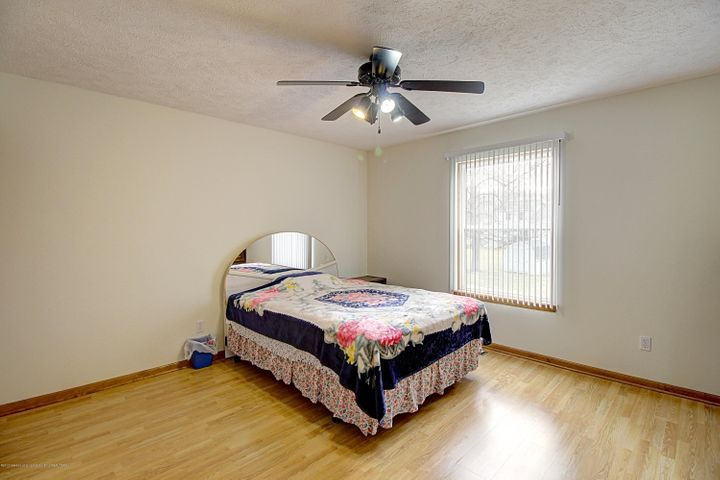 5815 Rothesay Rd - BEDROOM - 24
