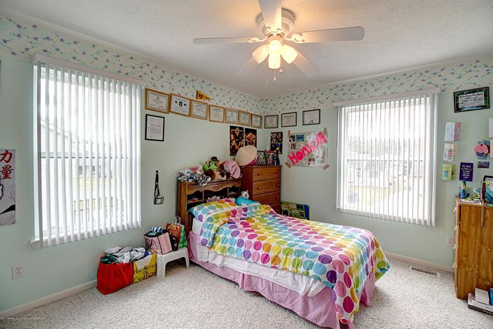 5815 Rothesay Rd - BEDROOM - 25