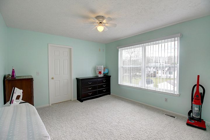 5815 Rothesay Rd - BEDROOM - 27