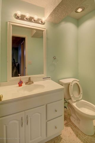 5815 Rothesay Rd - BATHROOM - 31