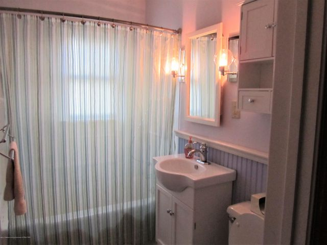 1230 Dakin St - bathroom - 9