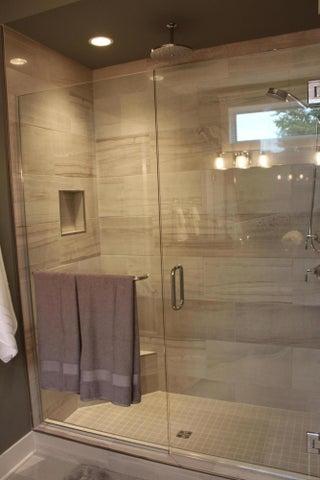 6107 Fresno Lane - Master Shower - 13