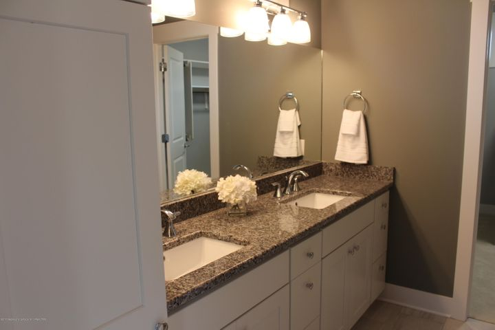 6107 Fresno Lane - Master Bath - 15