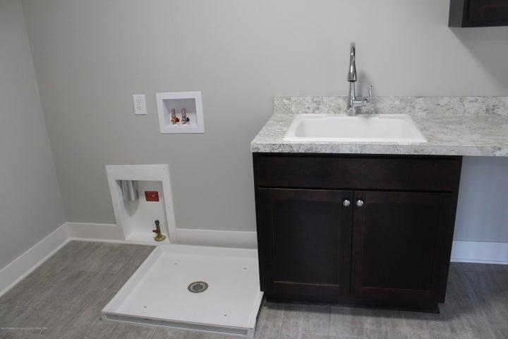 6107 Fresno Lane - Laundry Room - 19