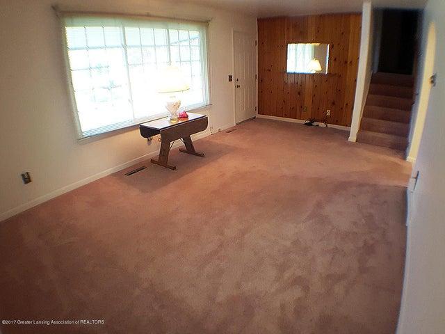 7405 M-52 - living Room - 6
