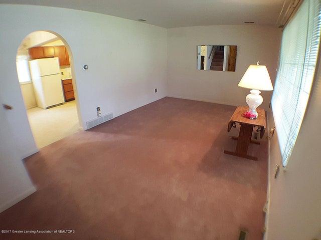 7405 M-52 - living Room - 5