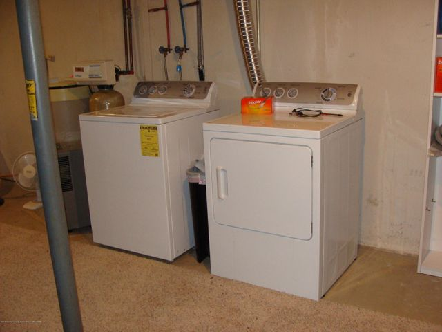 1475 Brookfield Rd - Laundry Area - 12