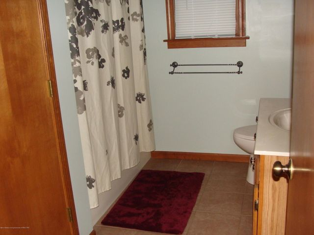 1475 Brookfield Rd - Full Bathroom - 6