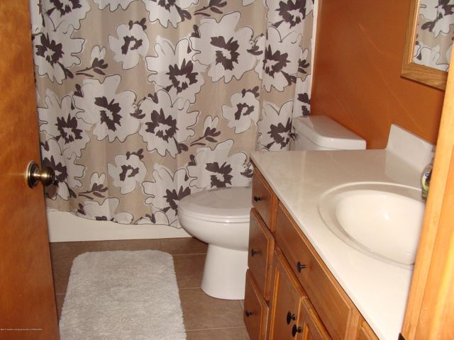 1475 Brookfield Rd - Full Bathroom - 9