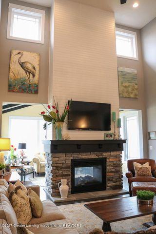 2759 Carnoustie Dr - Great Room - 5