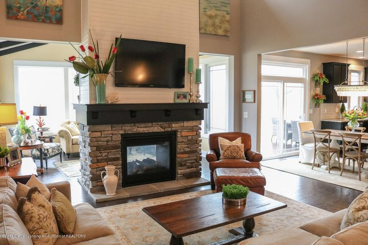 2759 Carnoustie Dr - Great Room - 6
