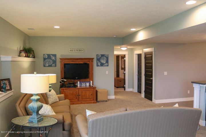 2759 Carnoustie Dr - Family Room - 32