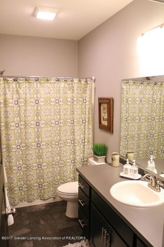 2759 Carnoustie Dr - Bath Room - 28