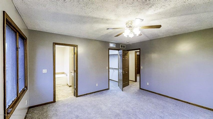 5845 MacMillan Way - Master Bedroom - 10