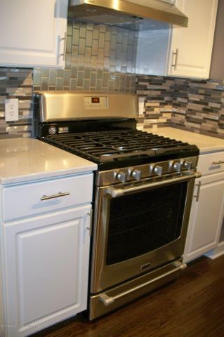 118 Loree Dr - 118 Loree gas range - 6