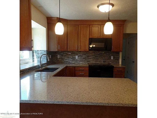 1916 Maple Shade Dr - 83960_701_18 - 8