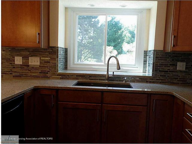 1916 Maple Shade Dr - 83960_801_18 - 9