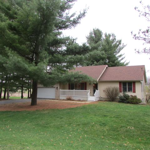 7052 White Pine Dr - Front Exterior - 1