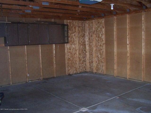 315 Lee St - Inside Garage - 27