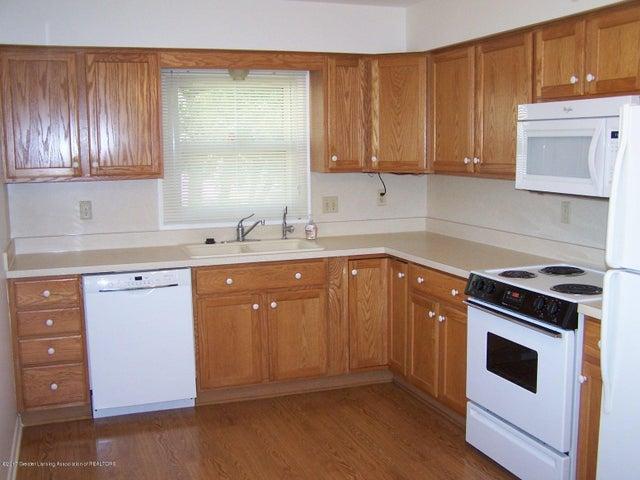 315 Lee St - Kitchen - 9
