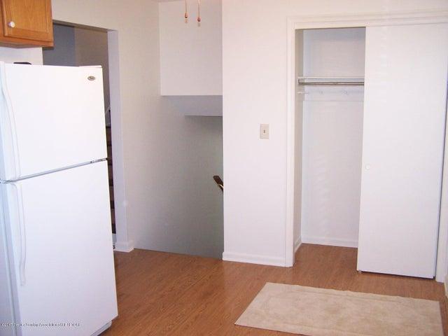 315 Lee St - Kitchen - 11